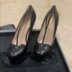 Yves Saint Laurent Tribtoo 105 Black Leather Pump